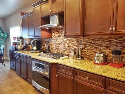Clovis Single Family Home For Sale: 2259 Megan Avenue