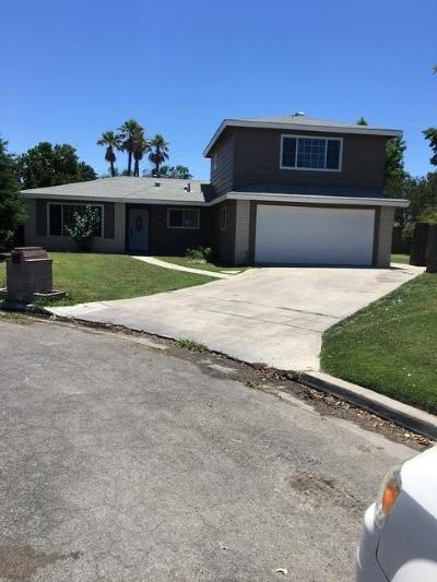 Madera Single Family Home For Sale: 2704 Willow Drive