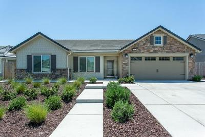 Madera Single Family Home For Sale: 436 S Cascade Way