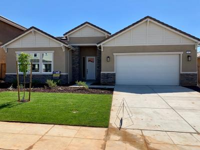 Madera Single Family Home For Sale: 707 Forester Lane S