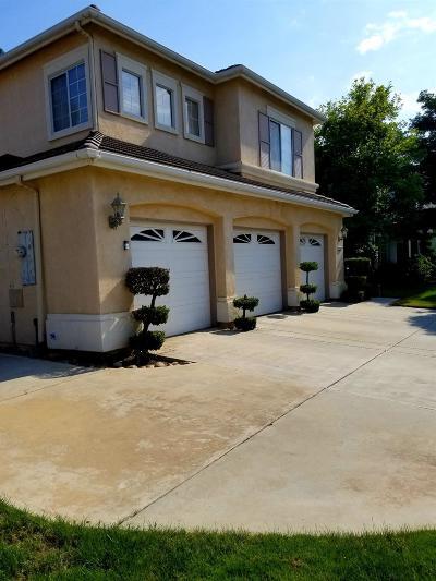 Single Family Home For Sale: 2658 E Shea Drive