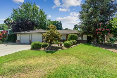 Reedley Single Family Home For Sale: 337 S Oak Drive