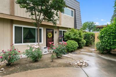 Fresno Condo/Townhouse For Sale: 5164 E Ashlan Avenue #125