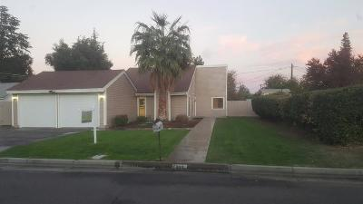 Madera Single Family Home For Sale: 207 N Schnoor Avenue