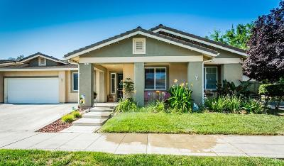 Reedley Single Family Home For Sale: 2247 E Evening Glow Avenue