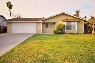 Clovis Single Family Home For Sale: 505 W Bullard Avenue