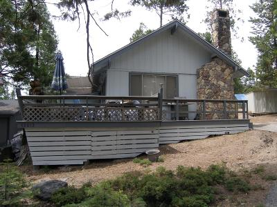 Shaver Lake Single Family Home For Sale: 42012 Madrone Lane