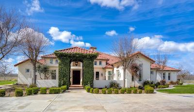 Sanger CA Single Family Home For Sale: $879,900