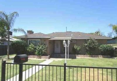 Fresno Single Family Home For Sale: 258 S Woodrow Avenue