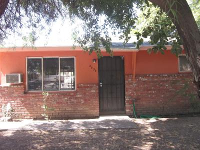 Single Family Home For Sale: 2454 S Rowell Avenue