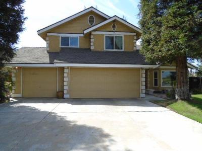 Selma CA Single Family Home For Sale: $330,000