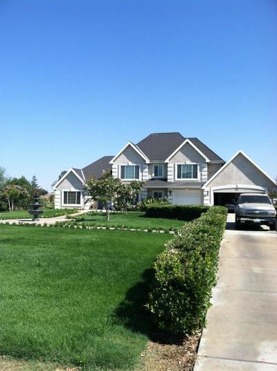 Sanger CA Single Family Home For Sale: $840,000