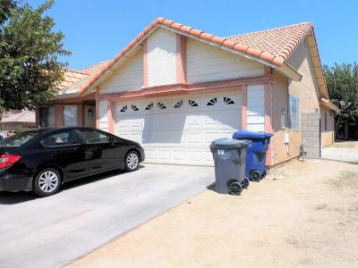 Palmdale CA Single Family Home For Sale: $255,950