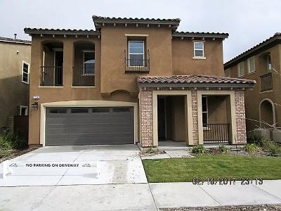 Santa Clarita Single Family Home For Sale: 27352 Ellery Place