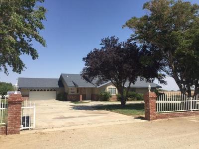 Lancaster Single Family Home For Sale: 5031 E Ave K 6