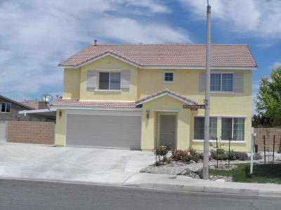 Lancaster Single Family Home For Sale: 3247 Stillmeadow Lane