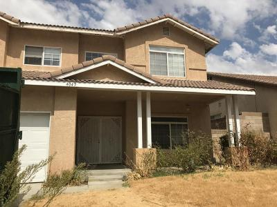 Palmdale Single Family Home For Sale: 4045 Sungate Drive