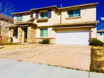 Palmdale Single Family Home For Sale: 2307 Foxtail Drive