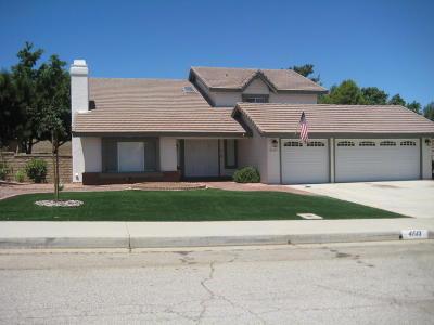 Palmdale Single Family Home For Sale: 41513 Jacaranda Street