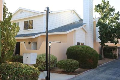 Palmdale Condo/Townhouse For Sale: 1107 Beechdale Drive #Unit D