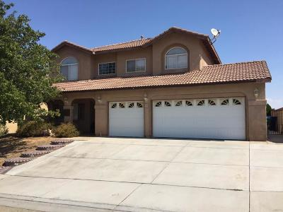 Palmdale Single Family Home For Sale: 4017 Grandview Drive