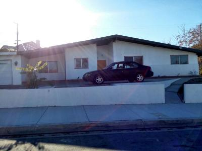 Palmdale Single Family Home For Sale: 38605 Desert View Drive