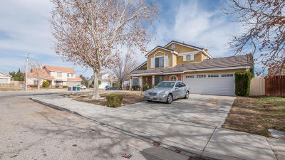 Palmdale Single Family Home For Sale: 39332 Fawnridge Circle