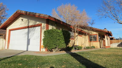 Lancaster Single Family Home For Sale: 43702 E 27th Street