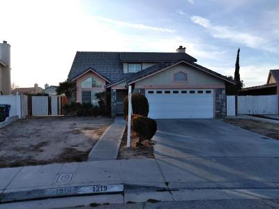 Palmdale Single Family Home For Sale: 1219 Onyx Drive