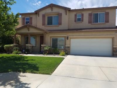 Lancaster Single Family Home For Sale: 5830 Ave J 15