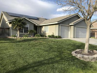 Rosamond Single Family Home For Sale: 3367 Whisper Sands Avenue