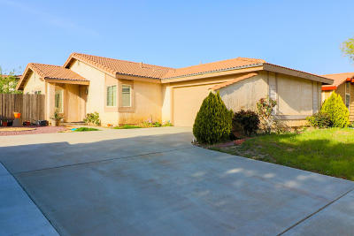 Palmdale Single Family Home For Sale: 4551 Ridgewood Court