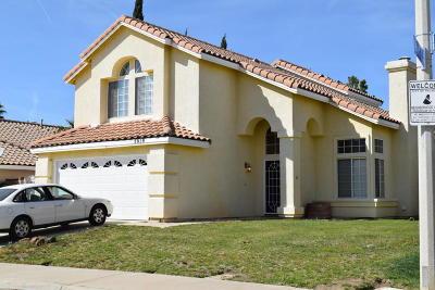 Palmdale Single Family Home For Sale: 3019 Caspian Drive
