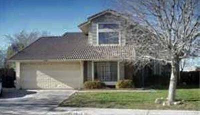 Palmdale Single Family Home For Sale: 2519 E Avenue R13