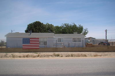 Rosamond Single Family Home For Sale: 818 W 60th Street