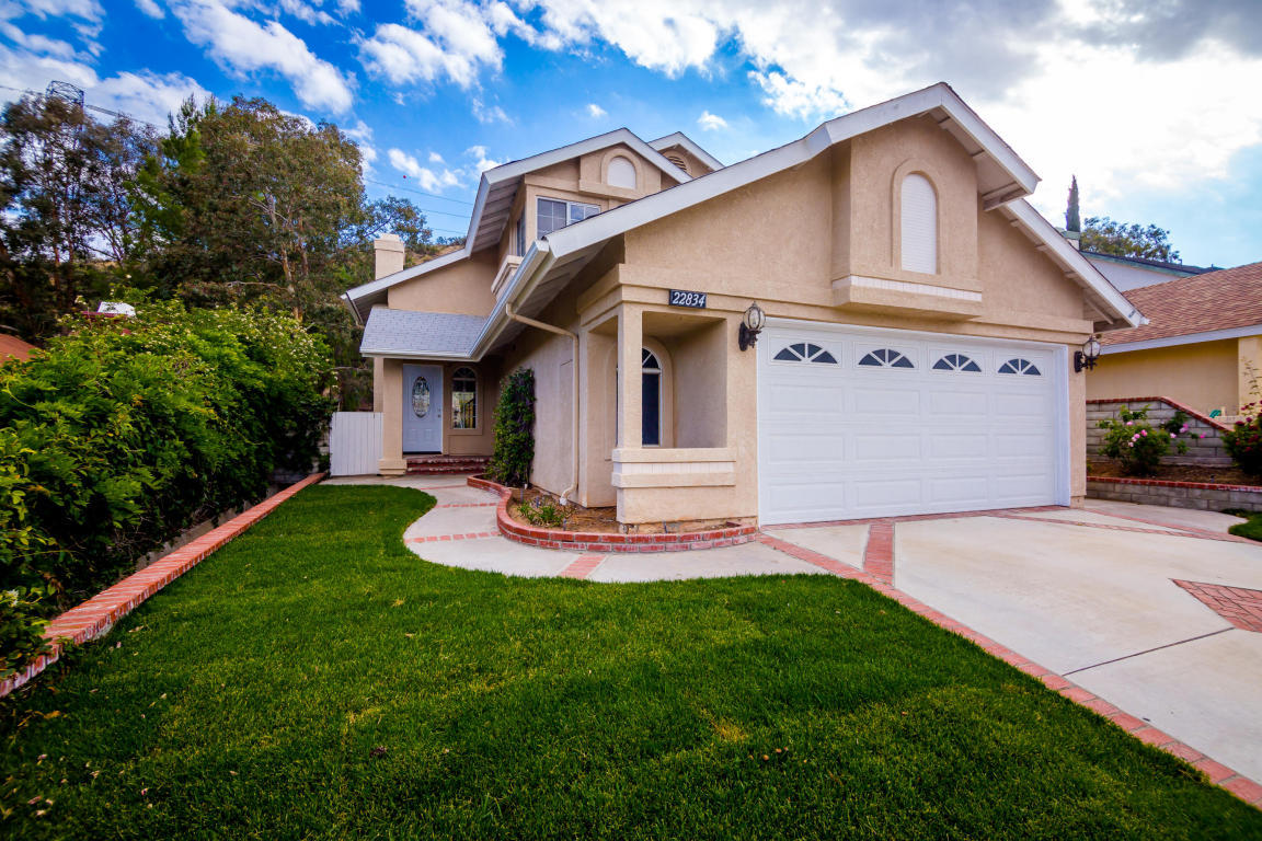 Listing: 22834 White Pine Place, Santa Clarita, CA.| MLS# 18005186 on zumo sale, used items sale, fashion sale, land sale, warehouse sale, boat sale, junk sale, livestock sale, crazy sale, barn sale, grage sale, basement sale, store sale, car sale, apartment sale, bake sale, one day sale, carport sale, tv sale, street sale,