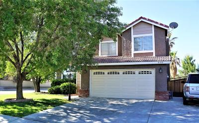 Lancaster, Palmdale, Quartz Hill Single Family Home For Sale: 660 E Avenue J10