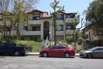 Santa Clarita Condo/Townhouse For Sale: 27940 Tyler Lane #Unit 453