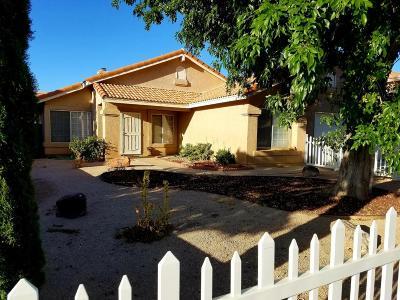 Rosamond Single Family Home For Sale: 2516 Starbrite Avenue
