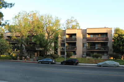 Woodland Hills Condo/Townhouse For Sale: 22100 Burbank Boulevard #Unit 328