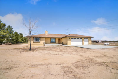 Rosamond Single Family Home For Sale: 6330 W 105th Street
