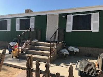 Rosamond Single Family Home For Sale: 6059 W 105th Street