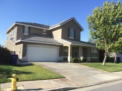 Palmdale Single Family Home For Sale: 3733 Club Rancho Drive