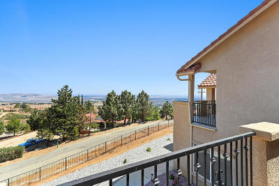 Lancaster, Palmdale Single Family Home For Sale: 1014 Lakeview Drive