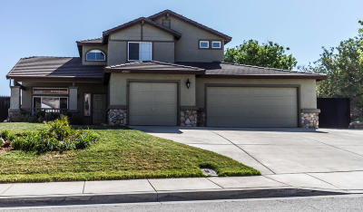 Lancaster Single Family Home For Sale: 42108 Pleasant View Dr Drive