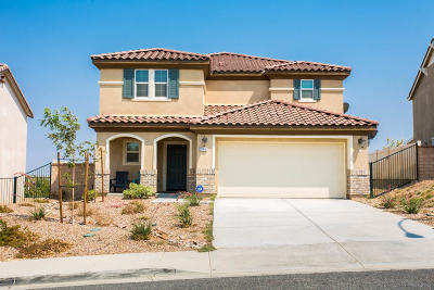 Palmdale Single Family Home For Sale: 37518 Henna Ln. Lane