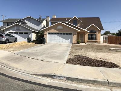 Rosamond Single Family Home For Sale: 2171 Matthew Avenue