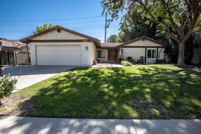 Lancaster Single Family Home For Sale: 44112 Fenner Avenue Avenue