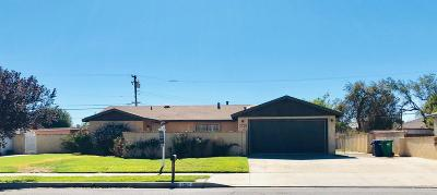 Palmdale, Lancaster, Quartz Hill, Leona Valley, Lake Elizabeth, Lake Hughes, Antelope Acres, Rosamond, Littlerock, Juniper Hills, Pearblossom, Lake Los Angeles, Wrightwood, Llano Single Family Home For Sale: 1030 E Lancaster Boulevard