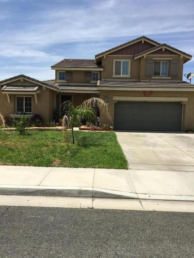 Palmdale Single Family Home For Sale: 37941 E 67th Street